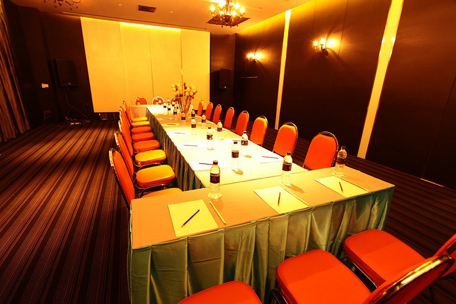 MEETING ROOM & BANQUETING CAPACITIES