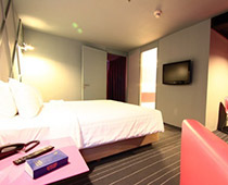 Heritage Bangkok Suite / ( 42 sq.m ) 9 Rooms